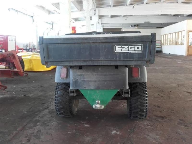 EZ-GO ar kravas kasti